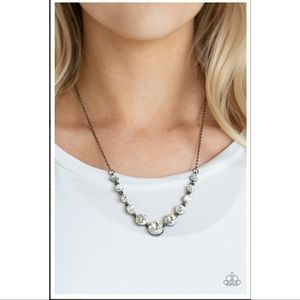 Leading Socialite Necklace